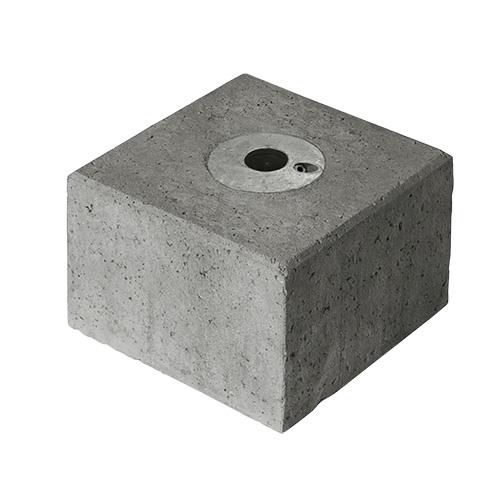 Betonblok met ingegoten buiskoppeling